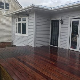 Sunny Brae Front Deck